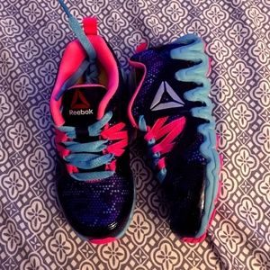 Reebok Zig Zag Athletic Sneakers Girls Size 11 NEW